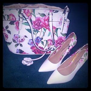 White floral pumps NWOT